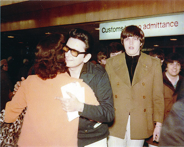 Roy Orbison & The Candymen Arrive At London's Heathrow Airport For Concert Tour